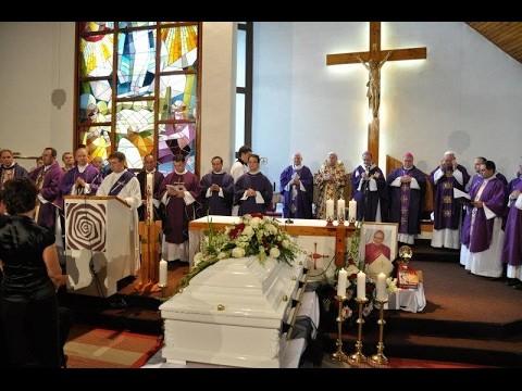 Zvolenský Stanislav / TV LUX: Pohreb biskupa Rudolfa Baláža, 3.8.2011 - rodisko Nevoľné